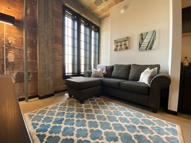 Renovated Loft in Historic Downtown Building!