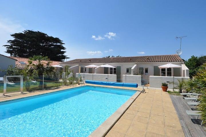 résidence piscine commune centre village et plages