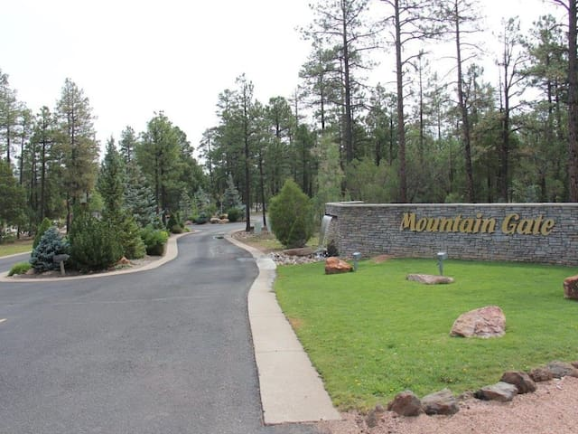 Beautiful New Townhome in Gated Community