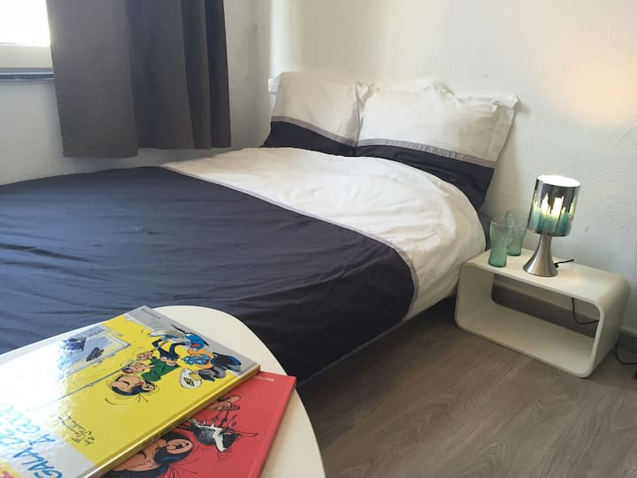Chambre cozy  City center Top price and wifi