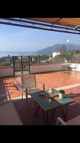 Camera in appartamento panoramico - Policastro Bussentino - Apartment