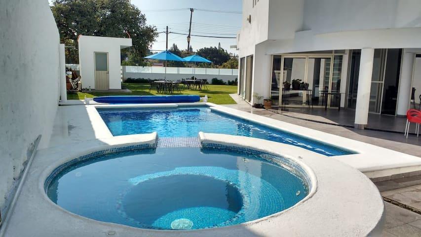 Casa completa - Campo de Golf (Alberca y jacuzzi)