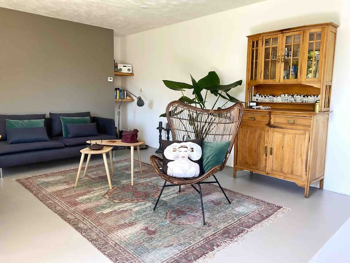 Zout Zierikzee: Trendy wooden guesthouse near sea