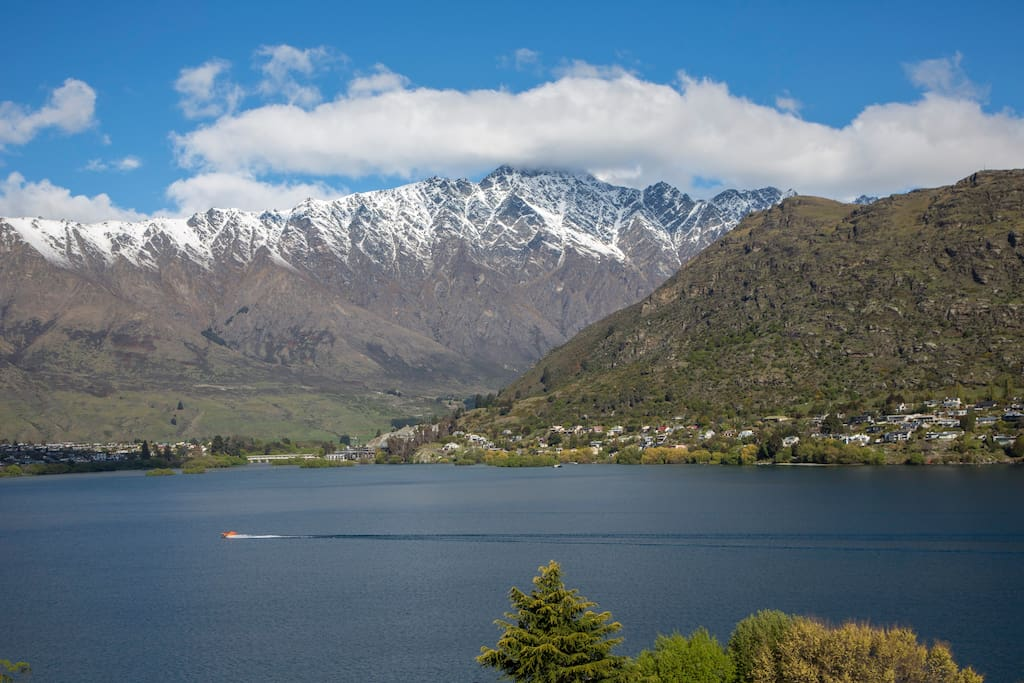 Breathtaking Views of The Remarkables