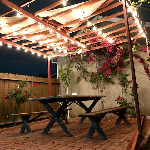 Cozy Home With Beautiful Patio In Burbank Hills