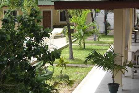 Girasoli resort appartments and swimming pool - Malindi