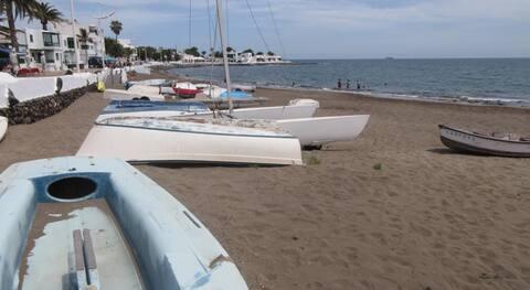 Habitación Lanzarote. Playa Honda.Rooms 1/2 people