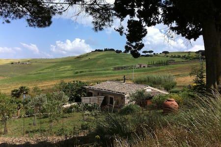 La Casina dei Turchi - Xireni - Castellana Sicula - Hus
