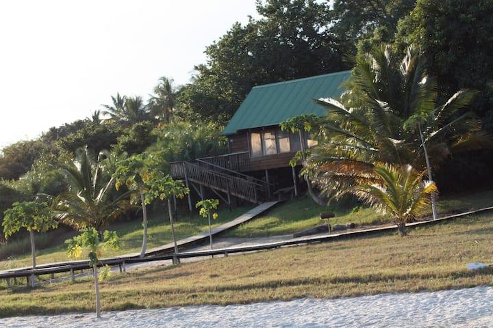 Caju Afrique 6 Sleeper Lakeside Lodge #2