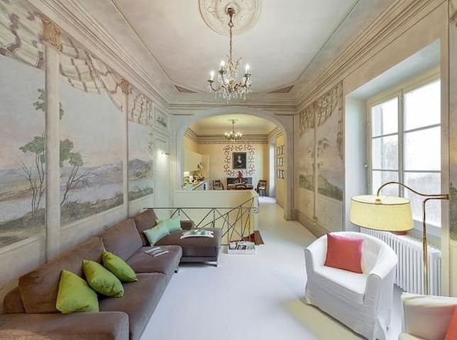 Elegant apartment in the heart of Florence