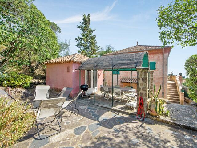 Charming house with garden and terrace, 5 min from the beach - Welkeys