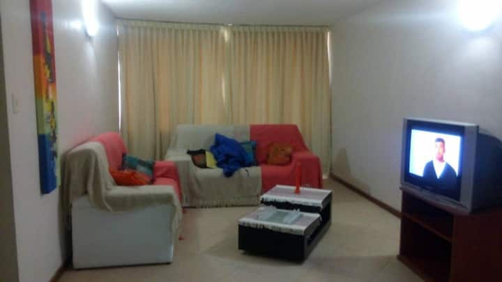 2 Bedroom Apartment close to Airport