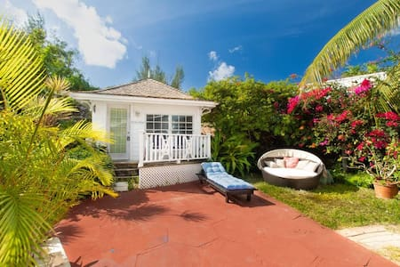 Garden Cottage Orange Hill Beach White Sand!