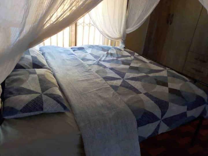 Yekari @Mazowe Mt View Opposite Mazowe Hotel