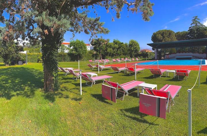 Camera tranquilla in B&B vicino Terme Euganee.