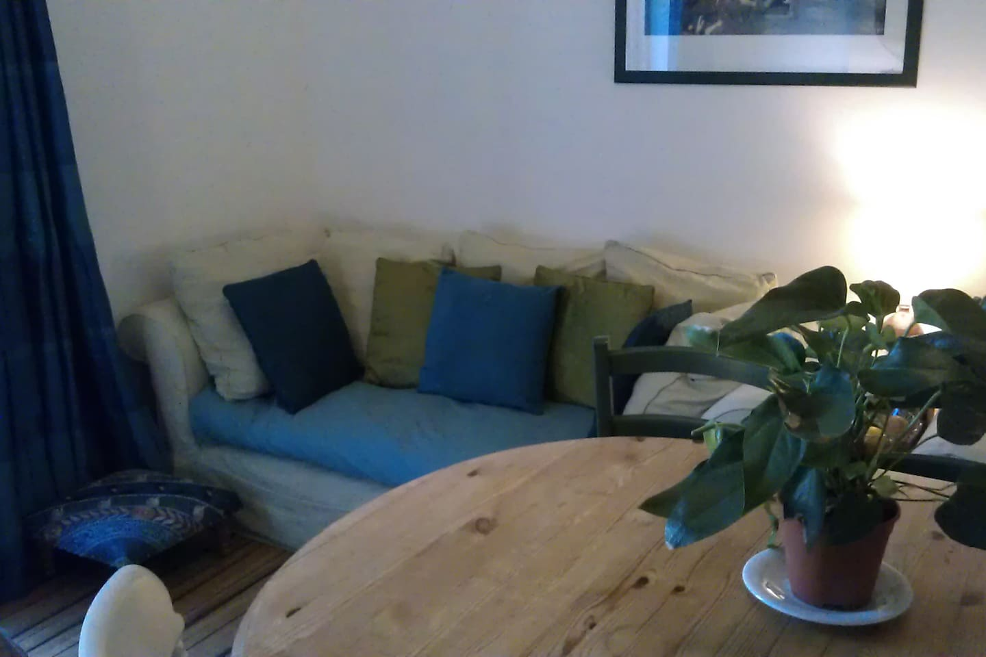 Five miles from Cardiff Centre. Shared living space.