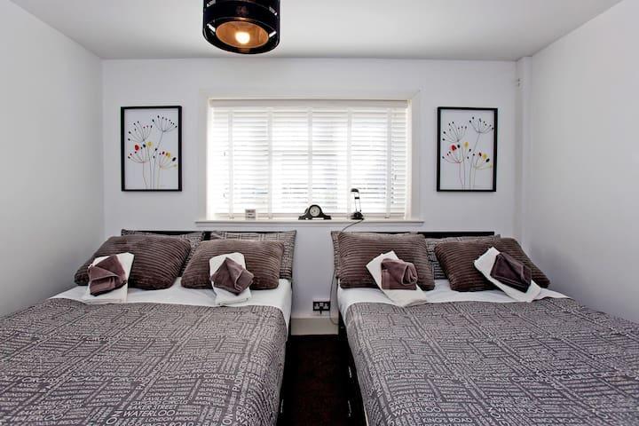 *NEW* Stylish, Modern Apart 30 mins to Centre - Croydon - Appartement