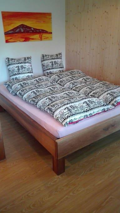 The bed (160x200cm) / Das Bett für Sie