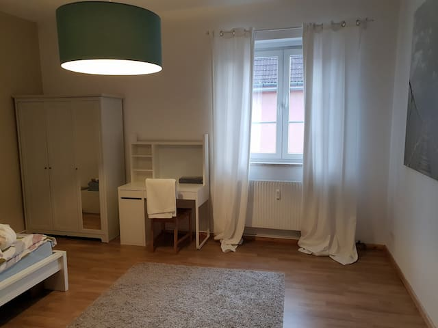 Central and sharming room near Messe and Ku'damm