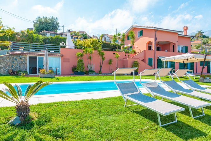 Villa Maddalena Sanremo, large luxury villa, garden, pool, sea-view