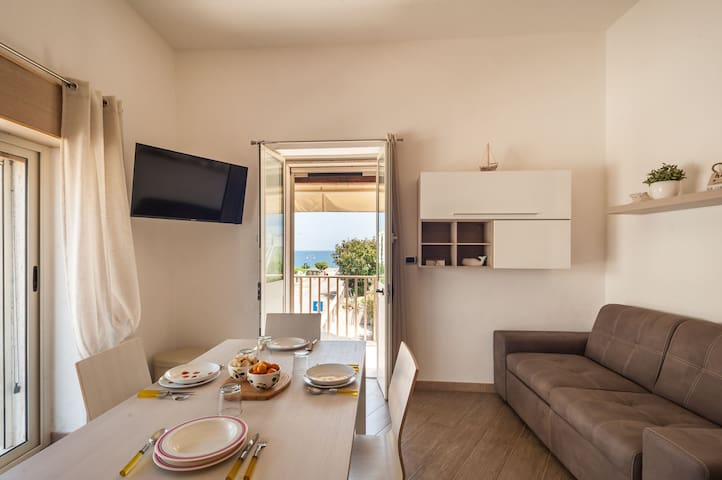 Close to the beach and with sea view - Apartment Alelà