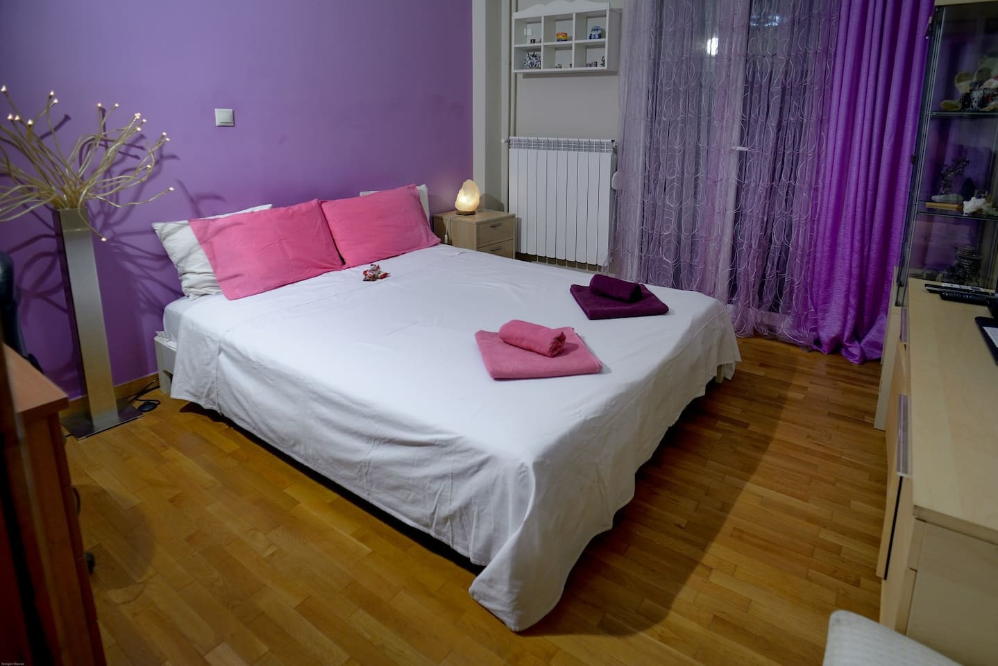 the room have big bed 160/200, tv, wi-fi, air/c , fun , small balcony