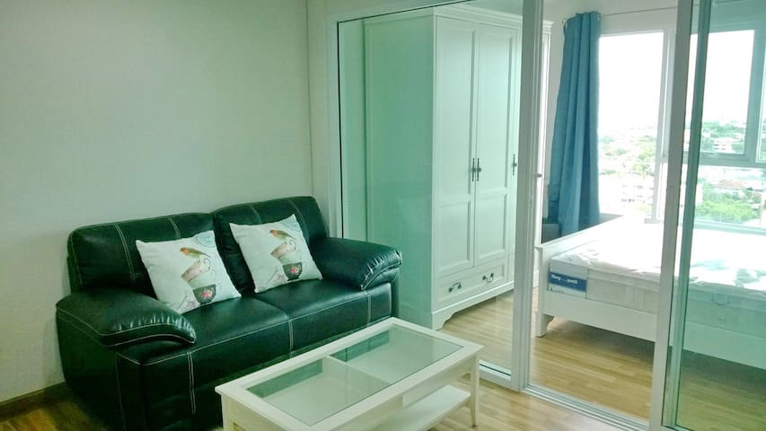 Apartment, only 5 minutes walk to BTS punnawithi