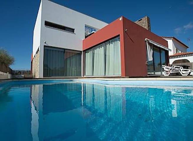 Troia Villa 200metres from the Beach
