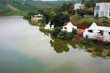 Hồ Gia Trang Bungalow Lake View with Ki energy