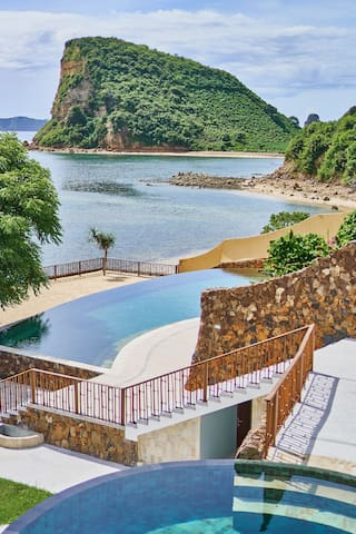 INLIGHT LOMBOK Beach front ECO-RESORT VillaStudio