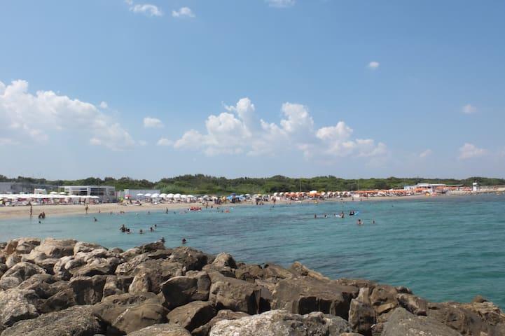 le spiagge piu vicine alla casa (da sinistra a destra: Pevero Beach, spiaggia libera. Bau Beach, etc...