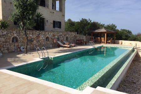 Großzügige luxuriöse Villa mit separatem Studio - Acharavi - Villa
