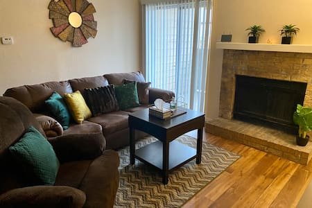 Cozy Apartment Surrounded by Entertainment