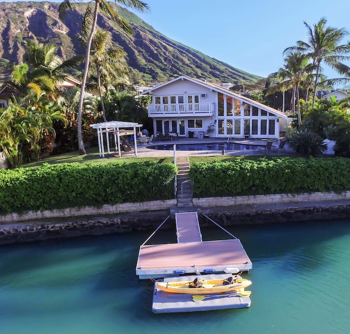Private pool, private dock.  Kayaks, stand-up paddle boards and water gear provided.