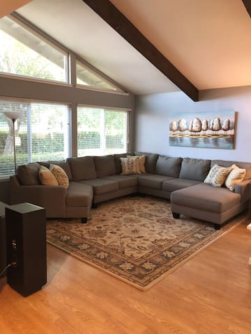**35% DISCOUNT!!**  SacTown Retreat with Pool