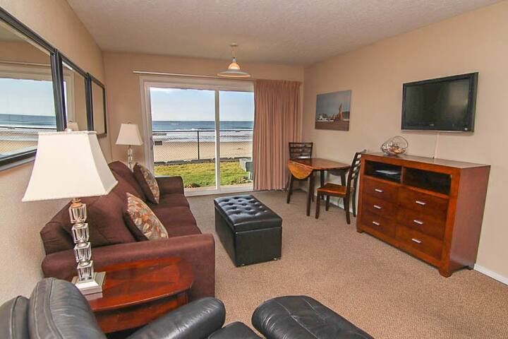 Sea Hawk Oceanfront Condo with Indoor Pool & Sauna!
