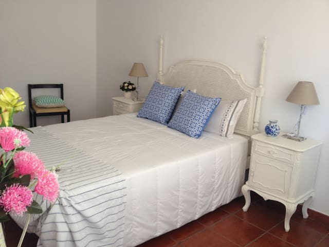 Cosy Apartment 5min Airport and Expo - MEO&WIFI - Sacavém - Apartment