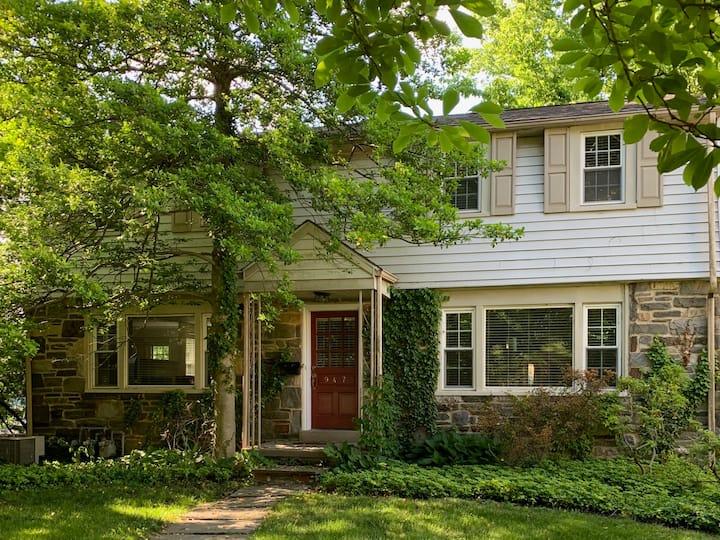 Elegant 3 Bd Wynnewood Home – Excellent location