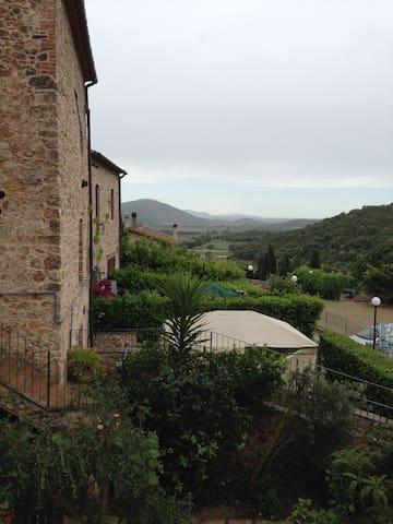Attractive apartment in an old olive oil mill - Batignano - Apartament