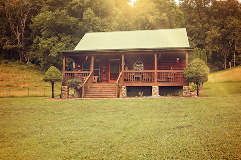Tudie's Cabin at Meredith Valley Farm