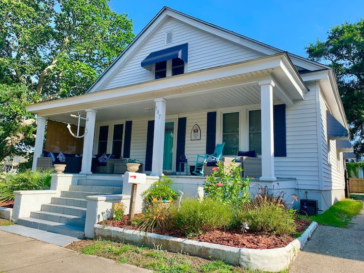 Your Downtown, Historic Coastal Bungalow Awaits!