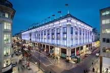 Selfridges: Oxford Street and Bond Street