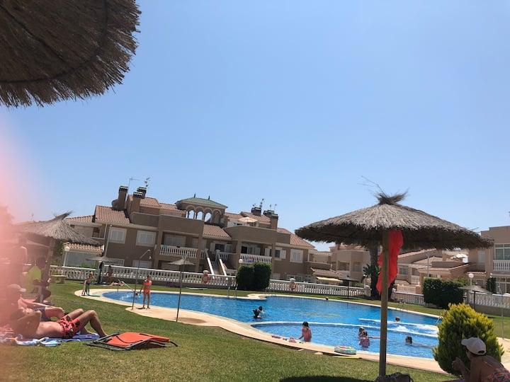 Entire 2 bed, 2 bath apartment in Playa Flamenca££