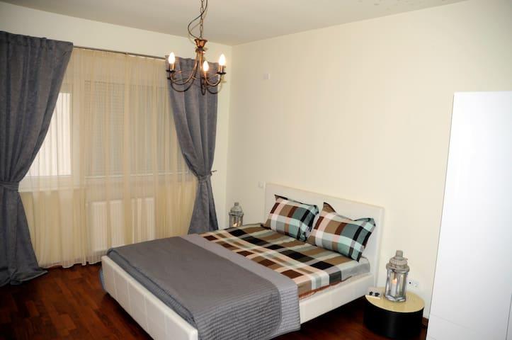 Awesome 2 bedrooms & 2 bath home - București - Lägenhet