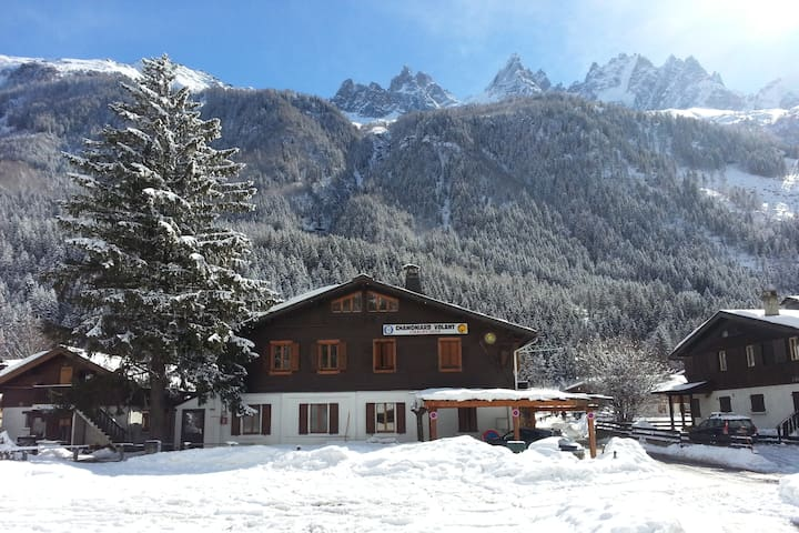 Dorm for 4 Chardonnet, Hostel Le Chamoniard Volant