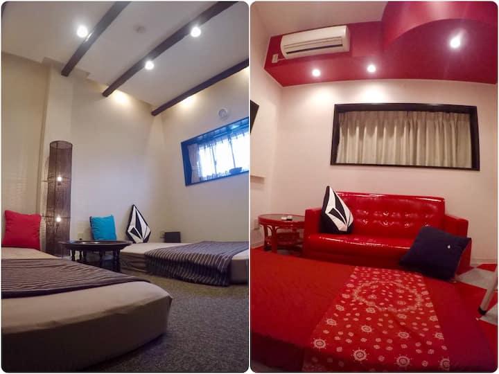 横乗り系プロショップの2階バリ風201号室、白赤ロフト202号室の2部屋貸切キッチン付きラウンジ