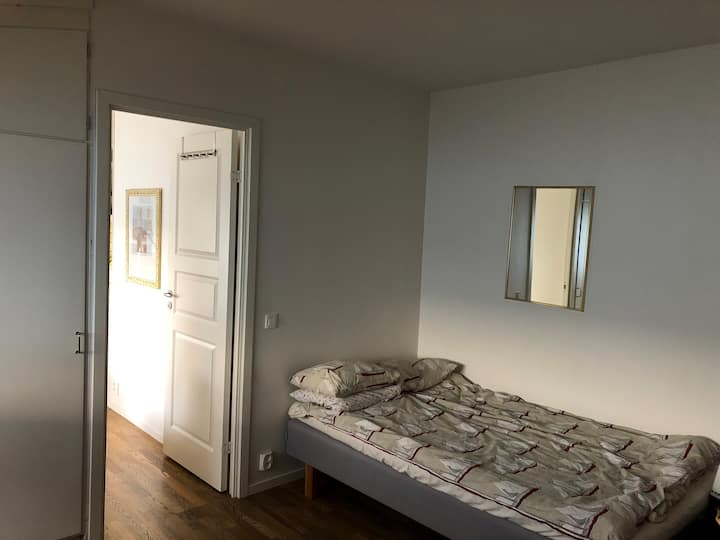 Helt hus med 4 sovrum.