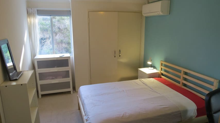 Fully Furnished Double Room in Highgate/Mt Lawley - Highgate - Apartment