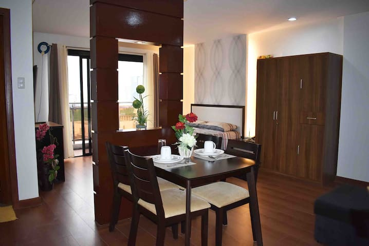 SPACIOUS 1BR 44sqm STUDIO UNIT near AYALA MALL