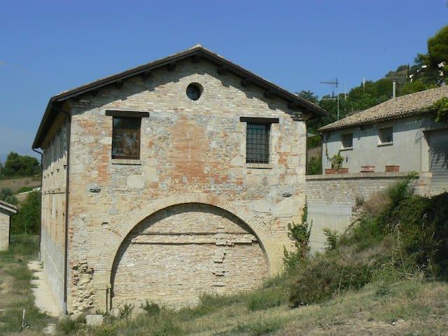 Ex casa colonica fortificata (B) - Colonnella - Apartment